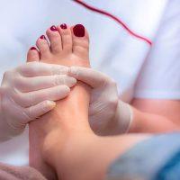 21753 Операция по удалению шишек на ногах