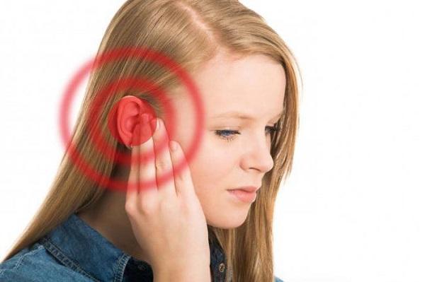 Причины и симптомы шума в ушах