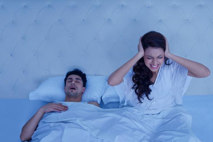 22828 Храп во сне у мужчин