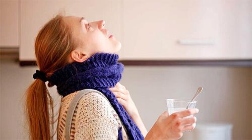 Чем можно полоскать горло при фарингите?