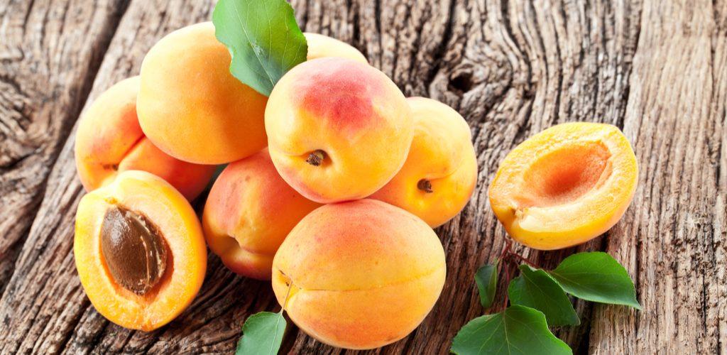 23022 Врач объяснила, чемопасны абрикосы